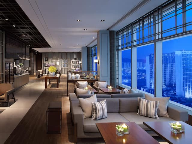 Grand Club Living Sofa Area