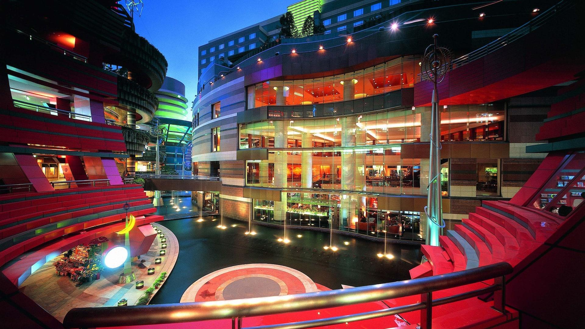Grand Hyatt Fukuoka hotel exterior