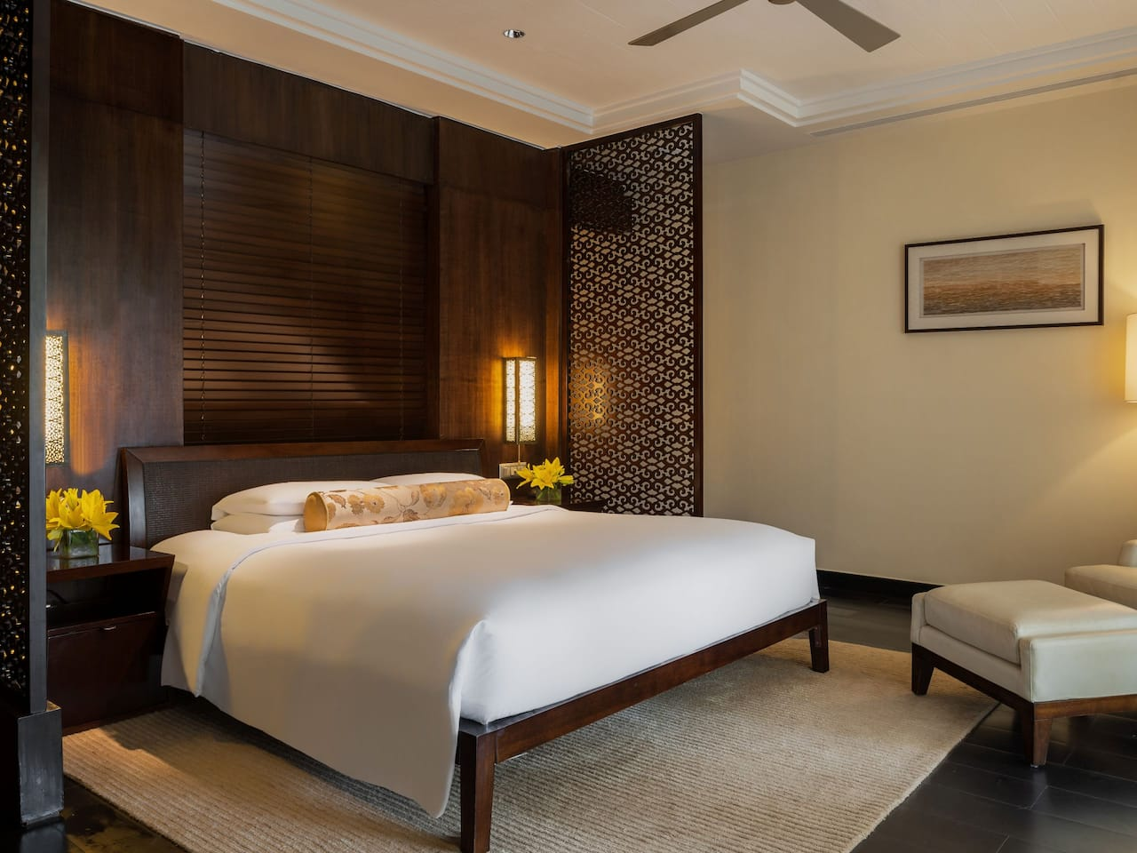 Grand Executive Suite Bedroom