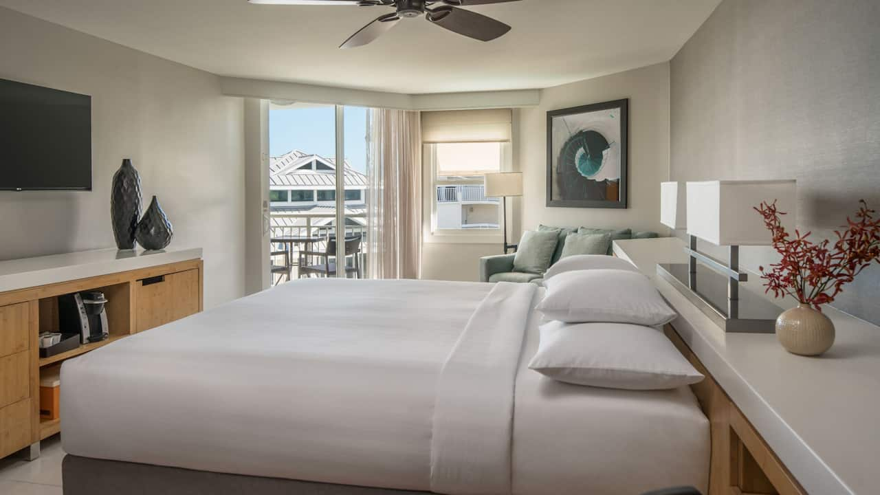 Room with 1 King Bed and Partial Ocean View at Hyatt Centric Key West