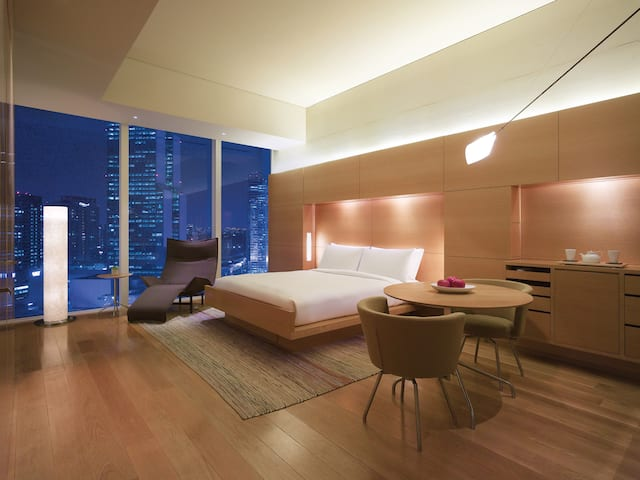 Park Hyatt Seoul Deluxe Bedroom Night View