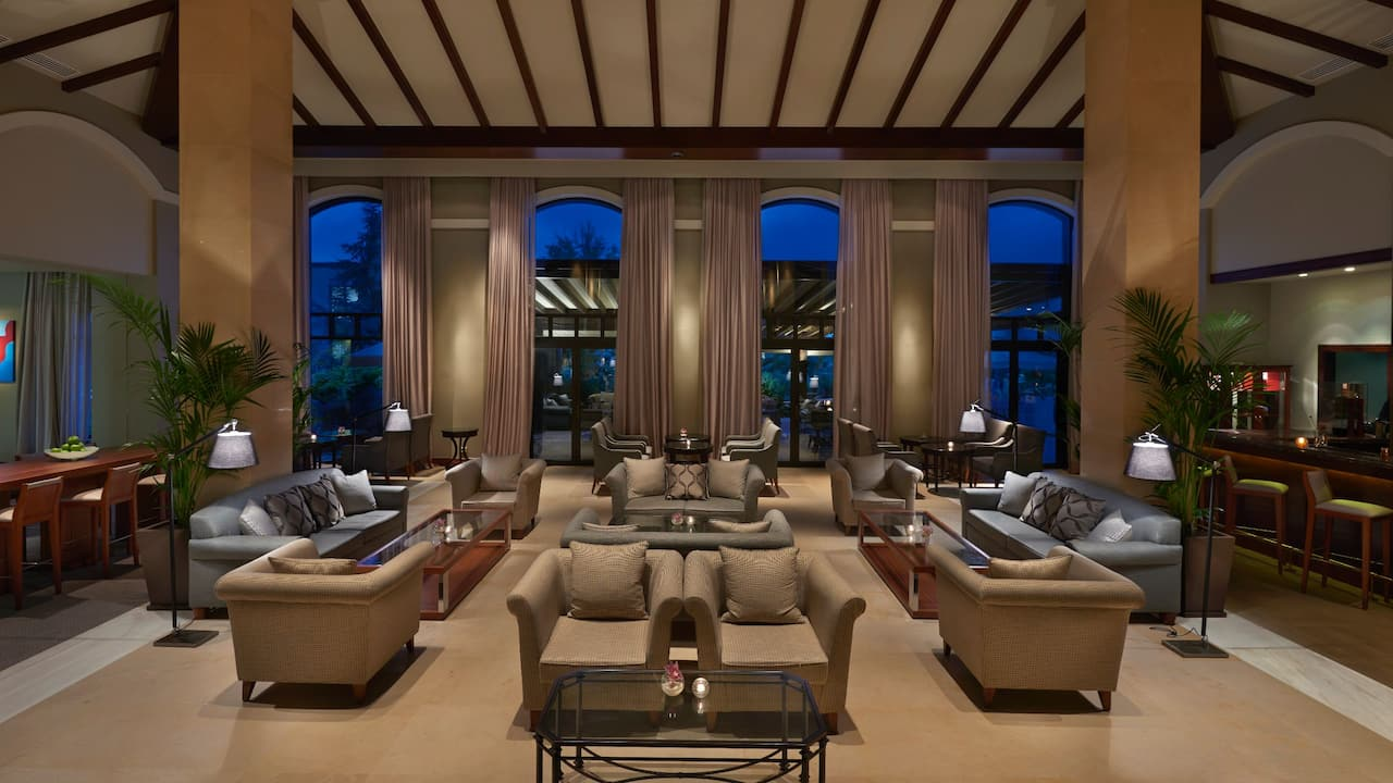 Lobby Lounge Area Night