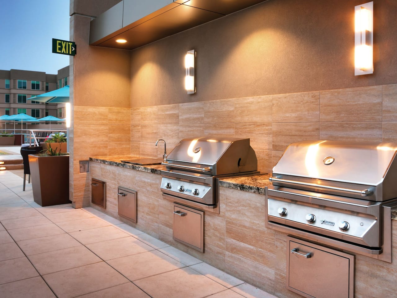 Hyatt House BBQ Area