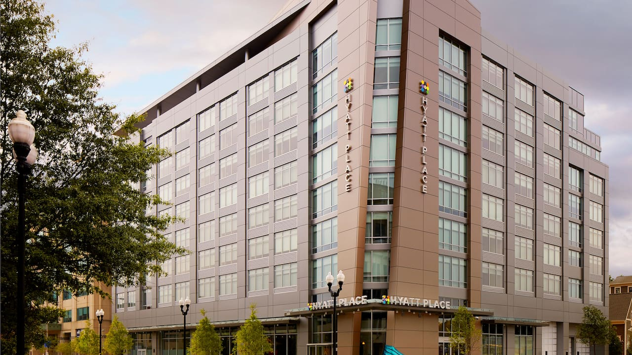 Arlington Hotel near Metro – Hyatt Place Arlington/Courthouse Plaza