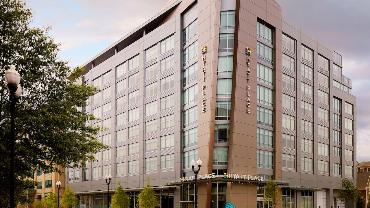 Arlington Hotel near Metro – Hyatt Place Arlington/Courthouse Plaza