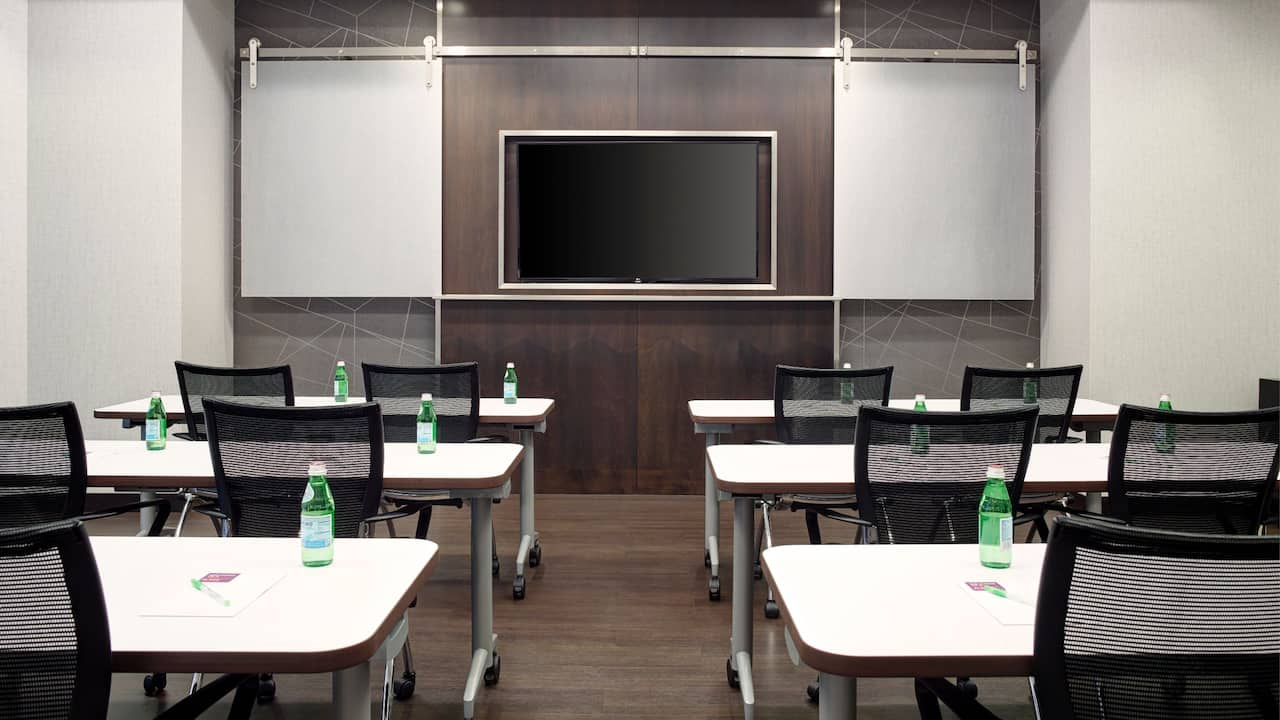 Arlington Meeting Space Classroom Setup – Hyatt Place Hotel Arlington/Courthouse Plaza