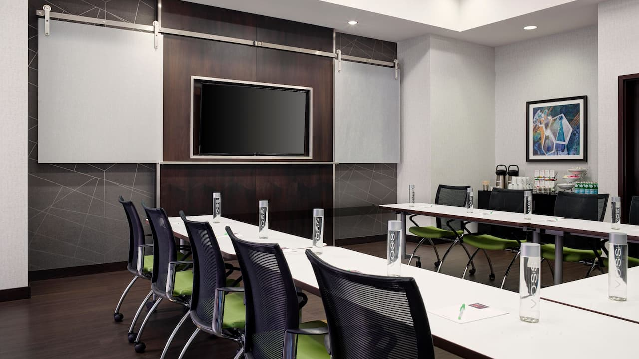 Arlington Meeting Space near Metro – U-Shape Setup – Hyatt Place Hotel Arlington/Courthouse Plaza