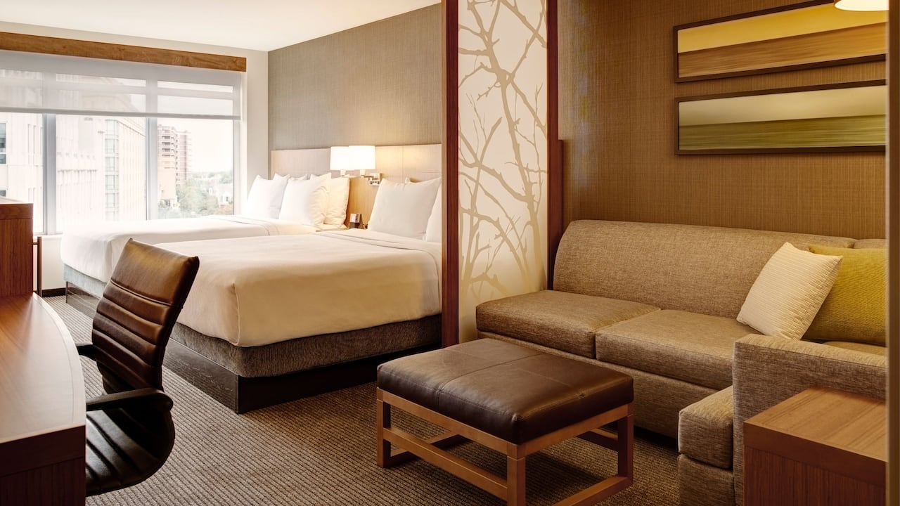 Arlington Hotel Guest Room with Two Queen Beds – Hyatt Place Arlington/Courthouse Plaza