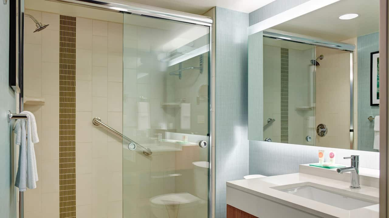 Guest Bathroom with Shower - Hyatt Place Arlington/Courthouse Plaza