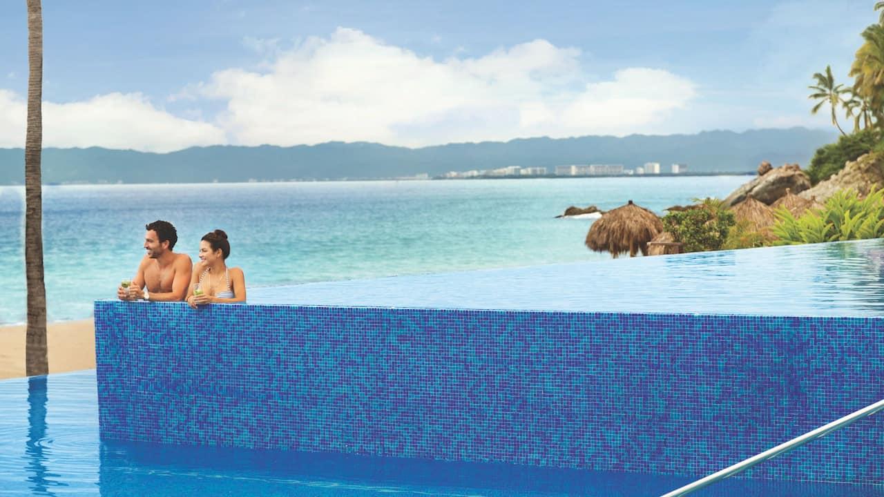 Hyatt Ziva Puerto Vallarta | Infinity Pool Cabana
