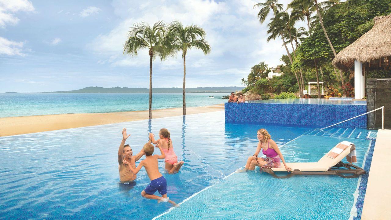 Hyatt Ziva Puerto Vallarta | Main Pool Family