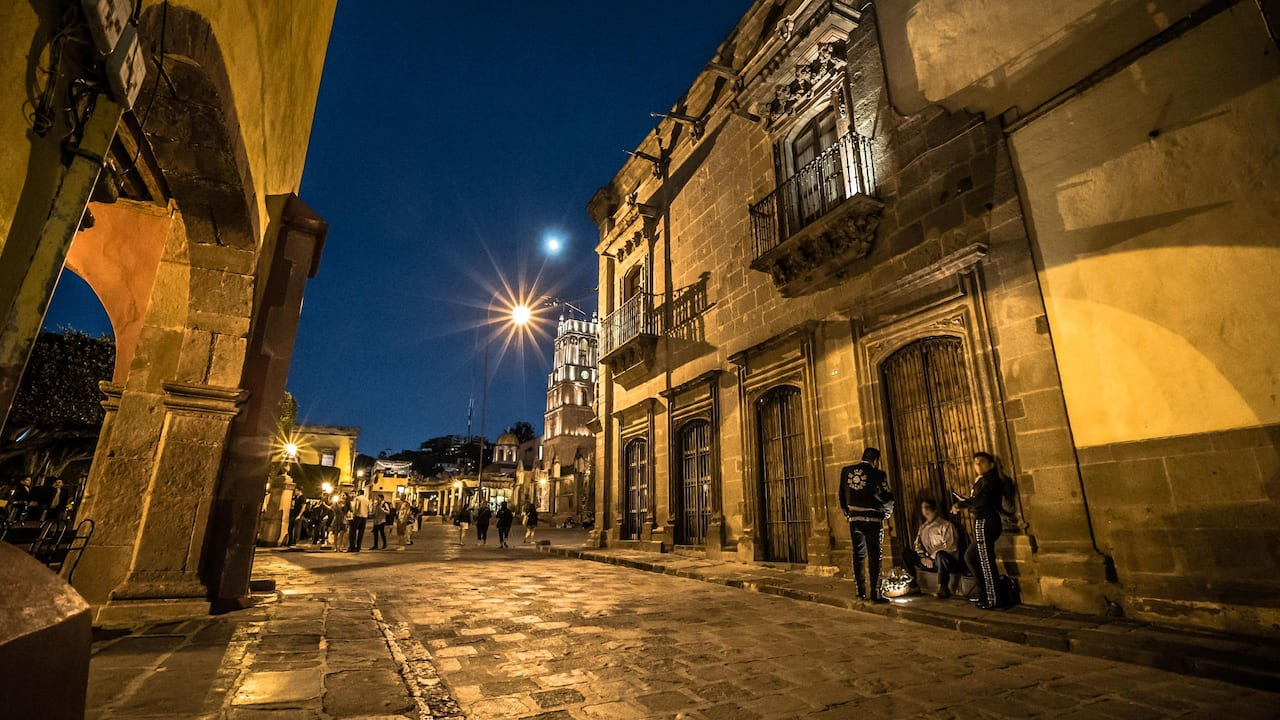 Mariachis Street