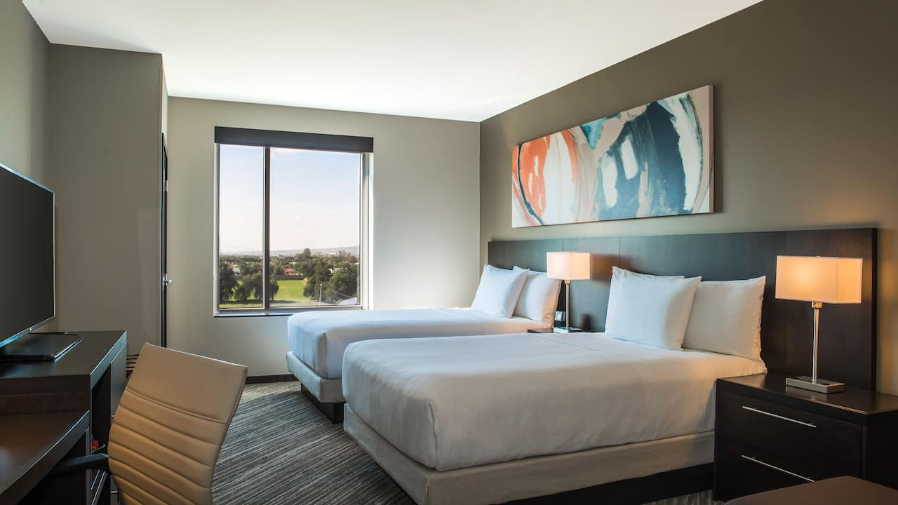 Hyatt Place Celaya King Bed