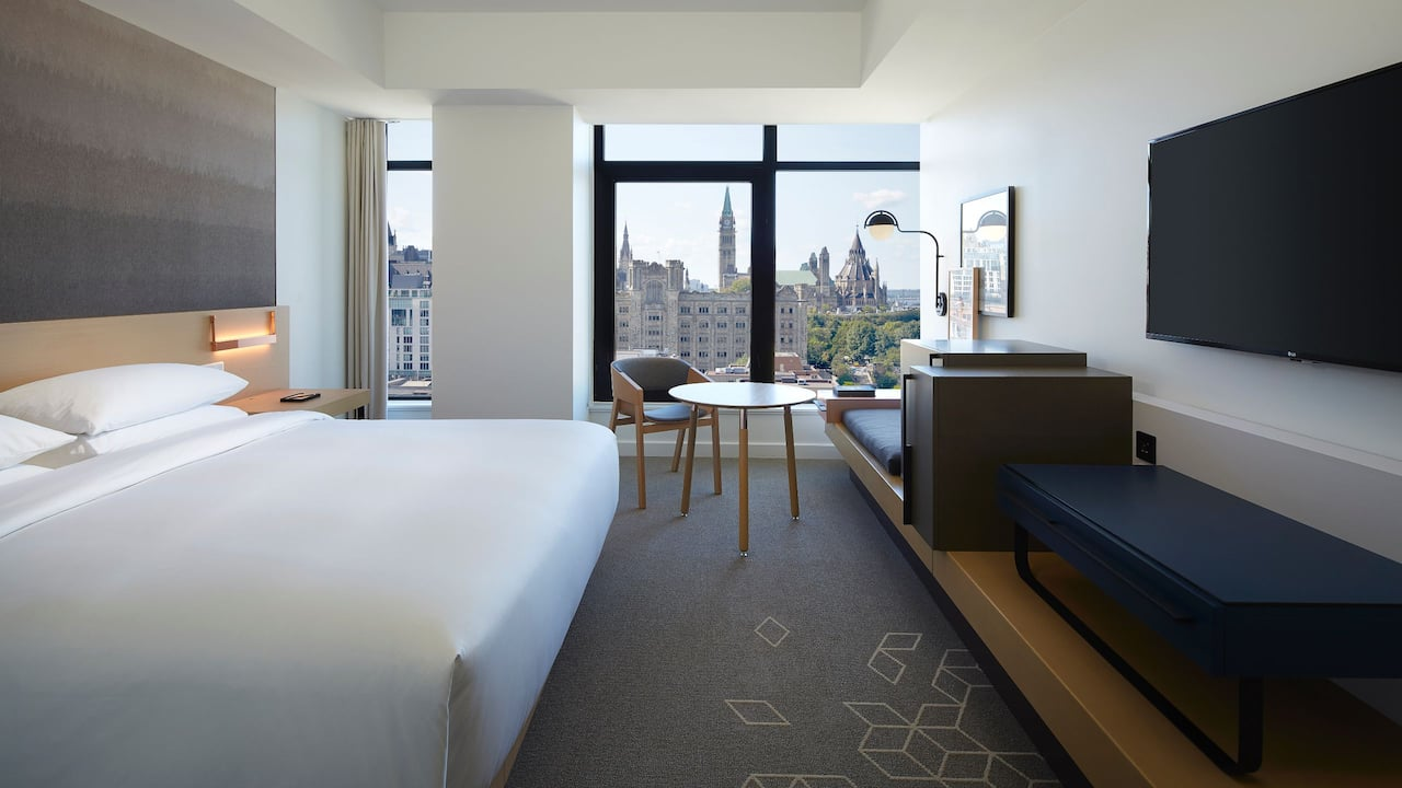 Andaz Ottawa Byward Market | King Bedroom ADA