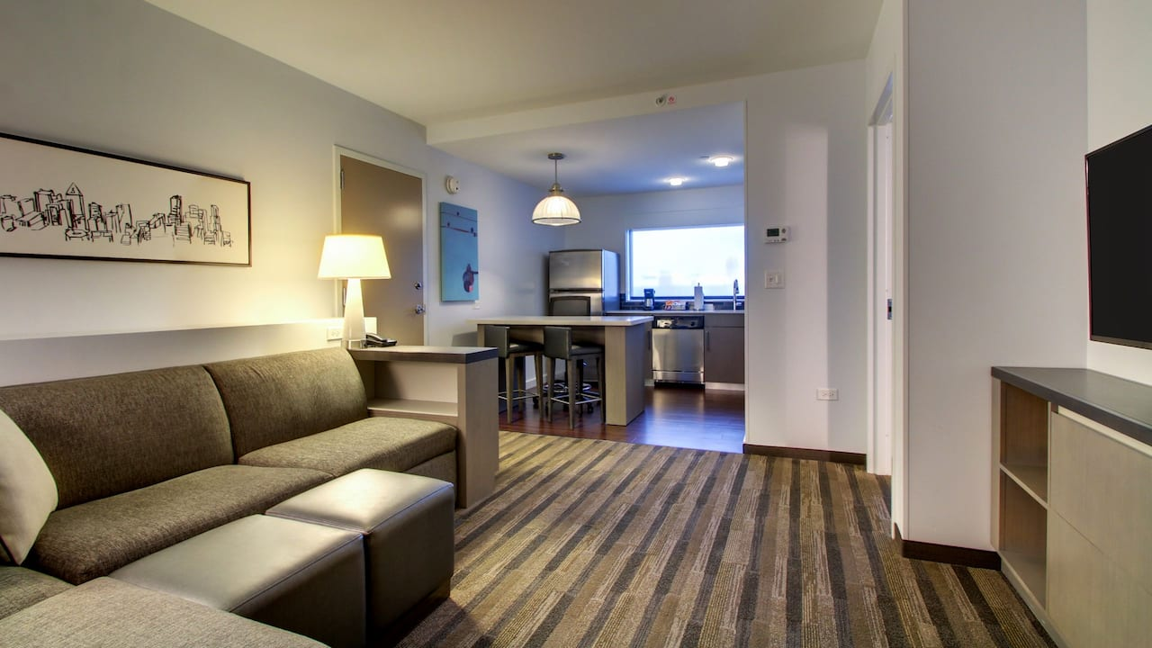 Hyatt House Chicago Oak Brook Living Room