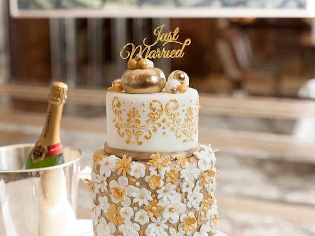 Bel Etage Just Married Wedding Cake