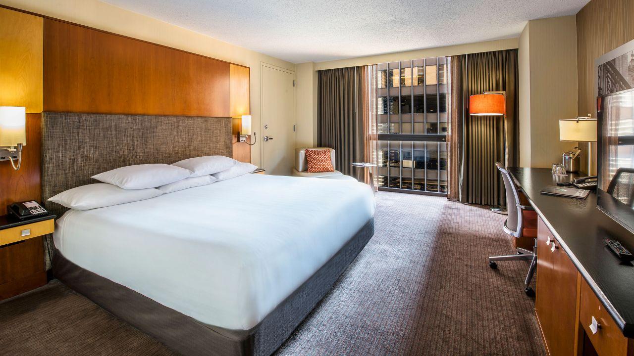 King Bed High Floor