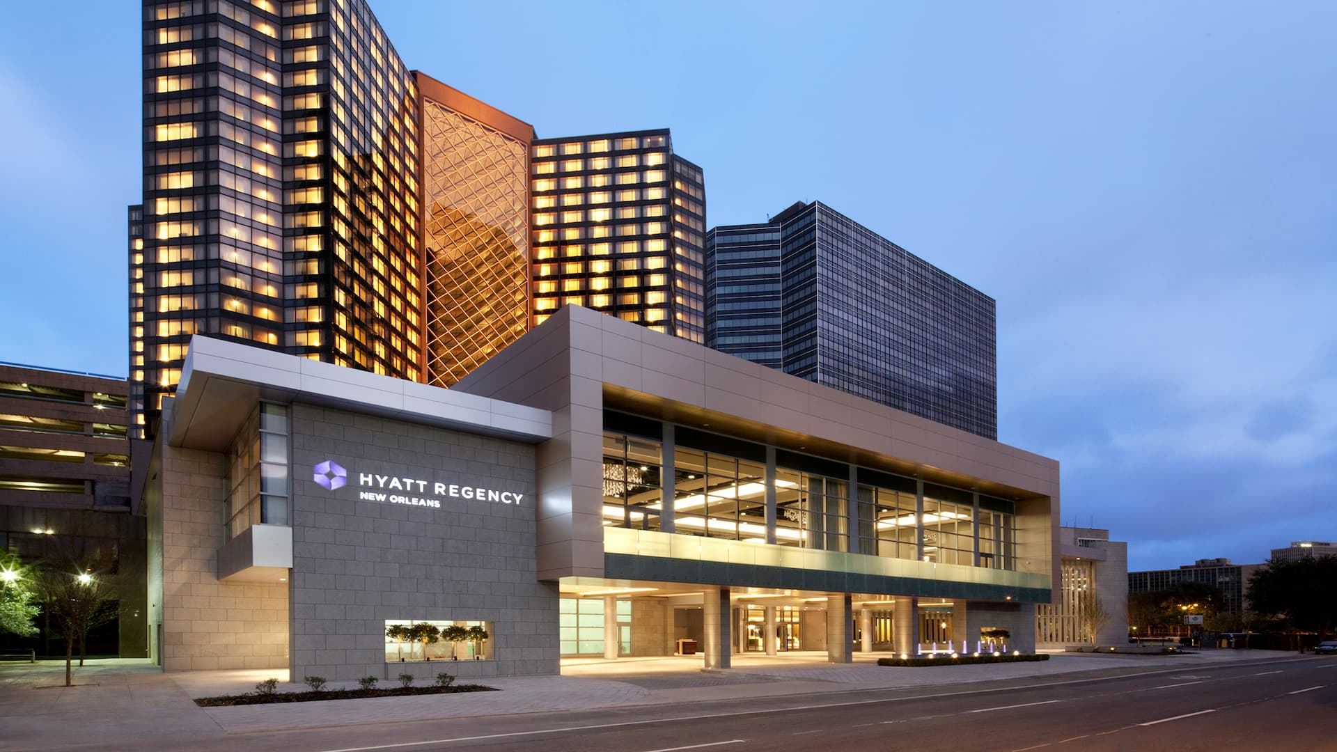 Exterior view of the Hyatt Regency New Orleans building in downtown New Orleans