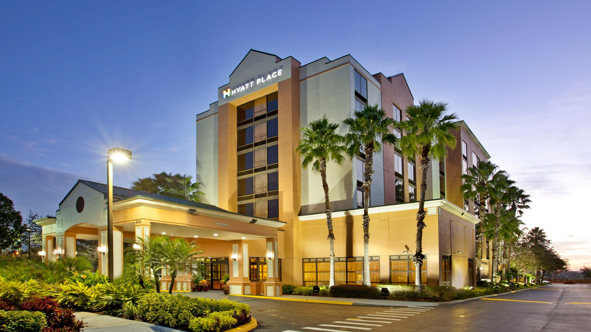 Hyatt Place Orlando Convention Center Exterior