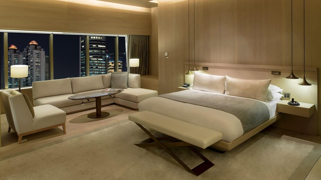 Suite King Bedroom
