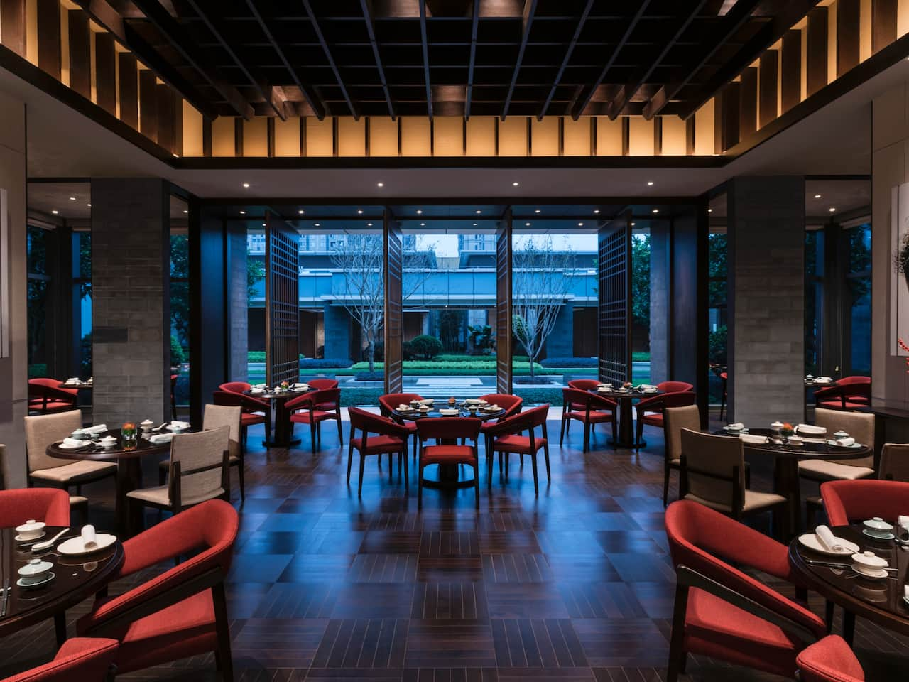 Min Wei dining room