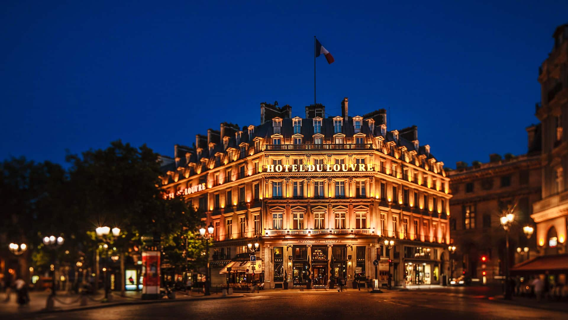 Hotel du Louvre Facade