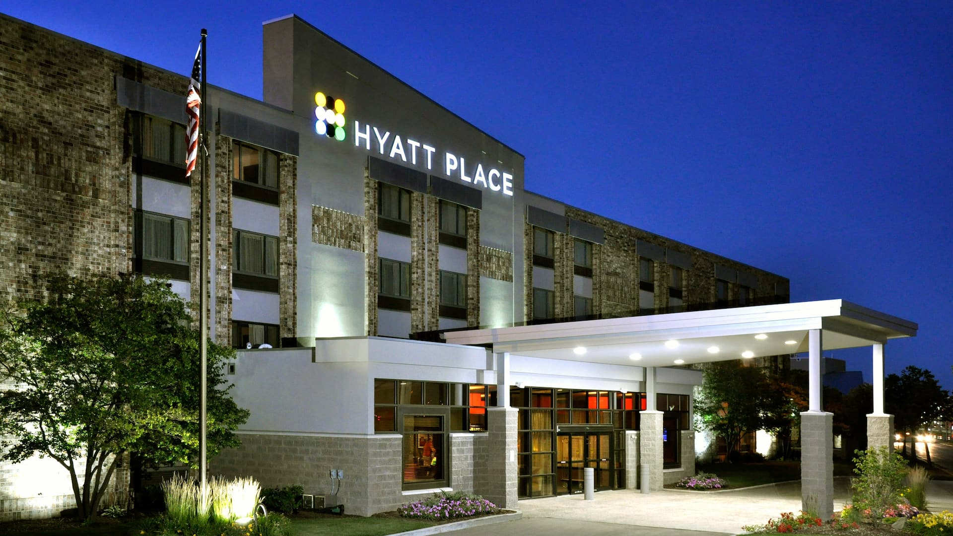 Hyatt Place Milwaukee Airport Hotel exterior