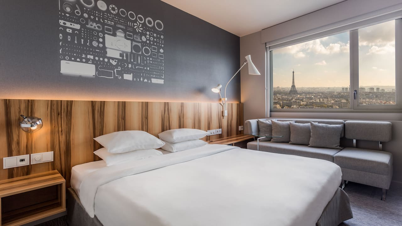 Deluxe Room Eiffel Tower View