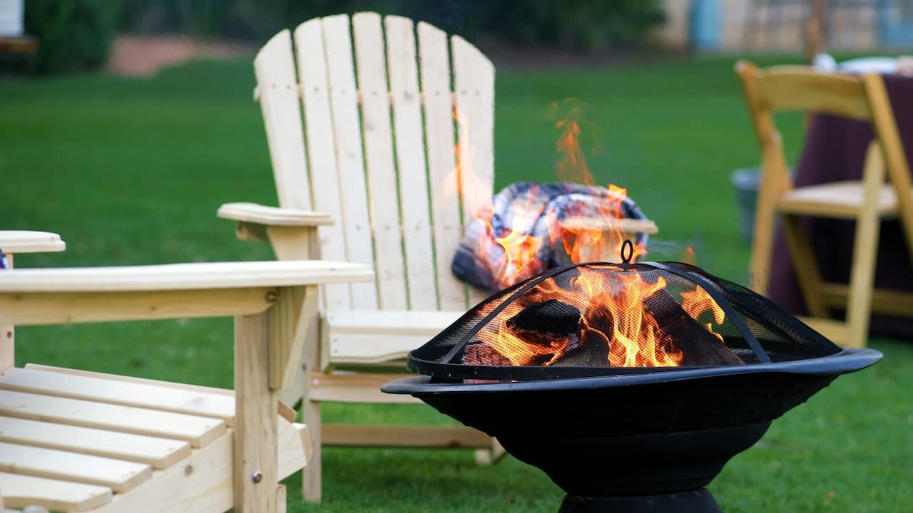 Lawn Chairs Firepit