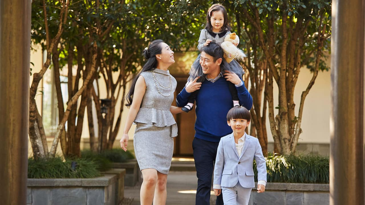 Hyatt House Shenzhen Airport Entrance Family Walking