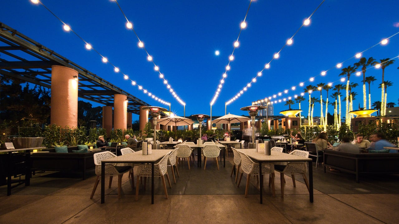 Restaurant Patio Night Hyatt Regency La Jolla at Aventine