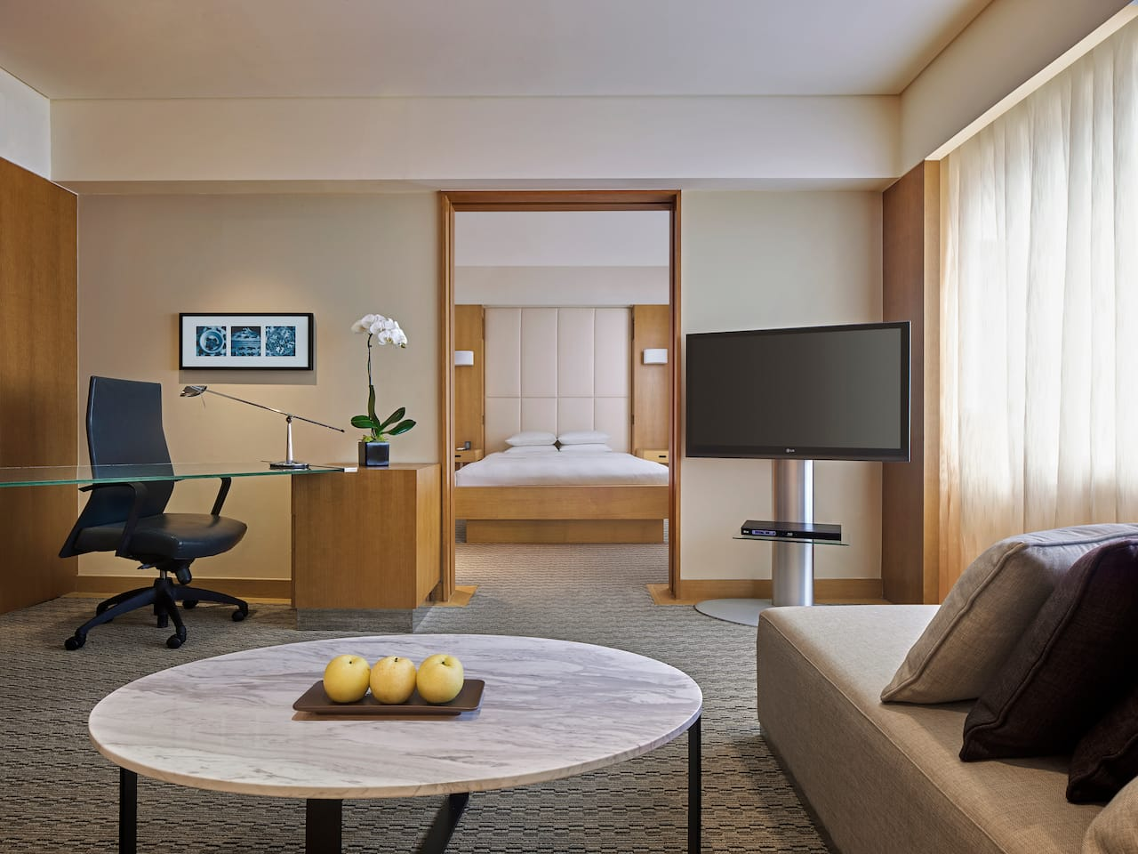 Club Deluxe Room, 1 king bed and exclusive club access, Grand Hyatt Singapore