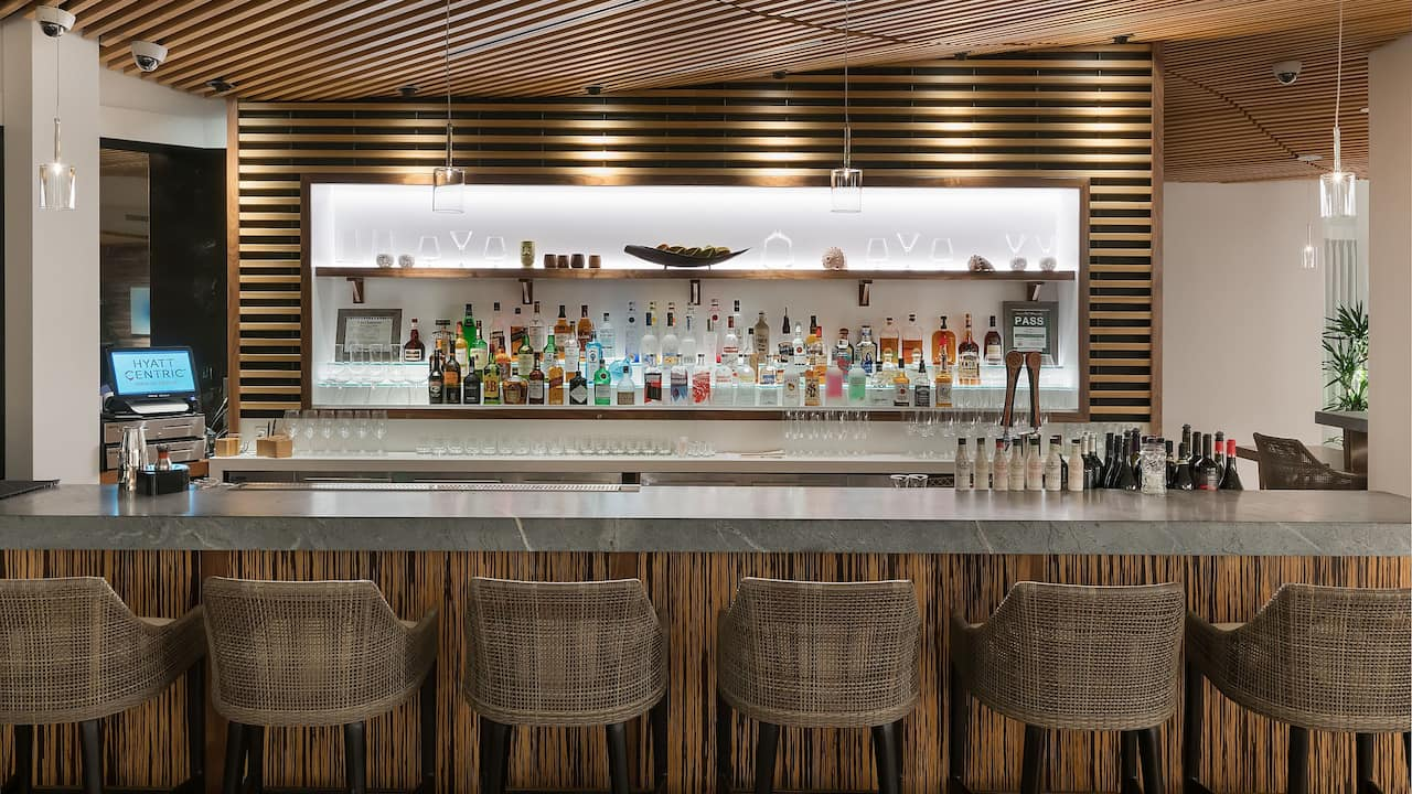Bar Hyatt Centric Waikiki Beach