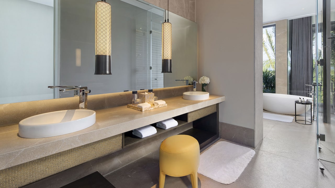 Park Hyatt Sanya Bathroom