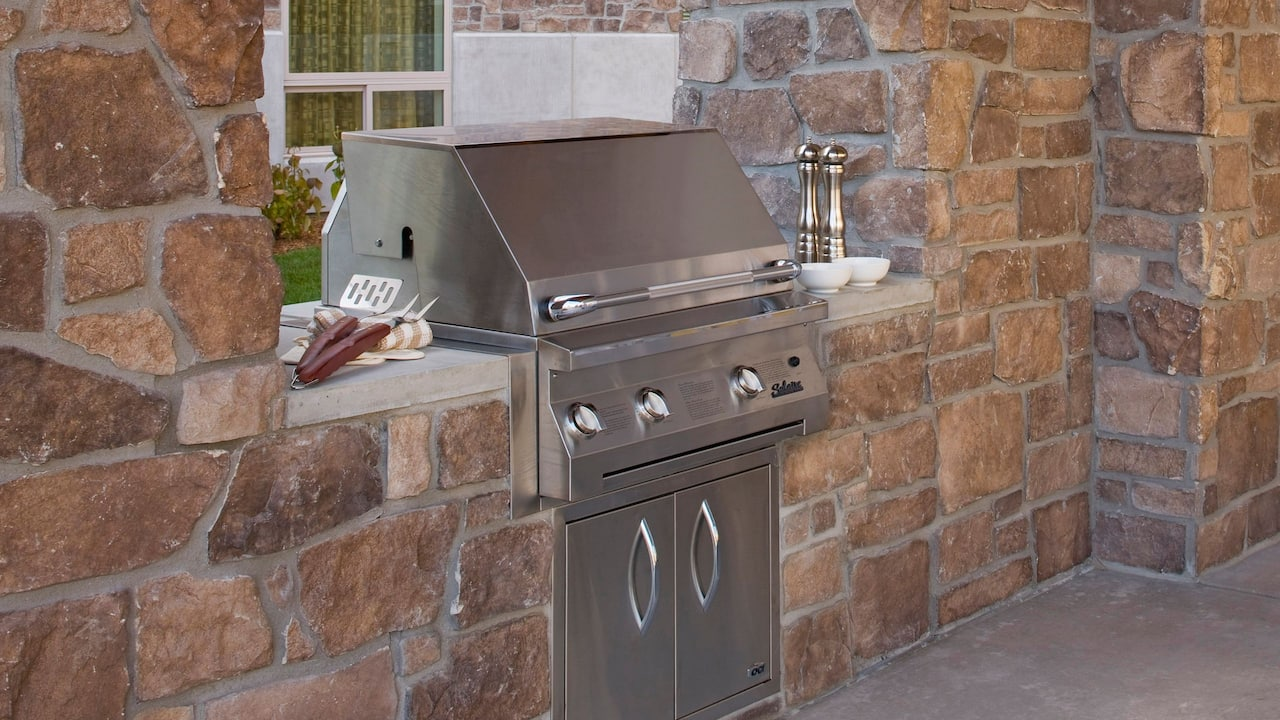 Sandy, UT Hotel with Outdoor Grill  – Hyatt House Salt Lake City/Sandy