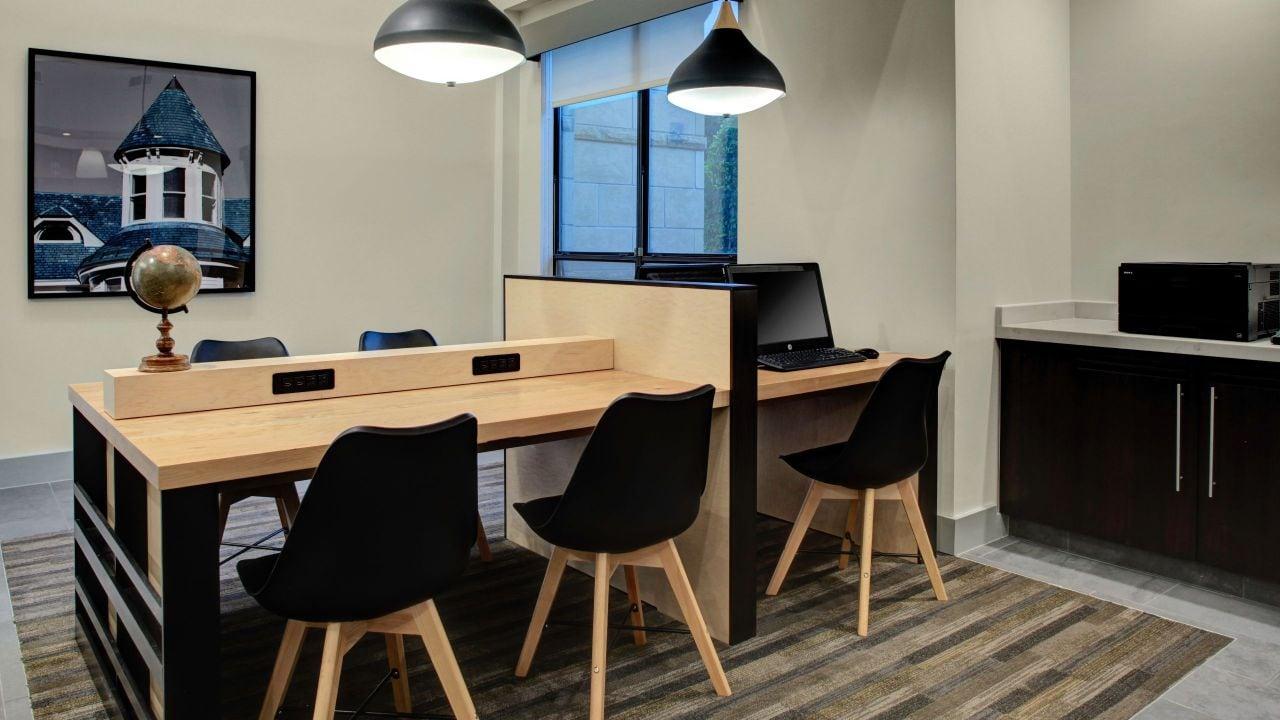 Hyatt House Dallas / Lincoln Park Business Center