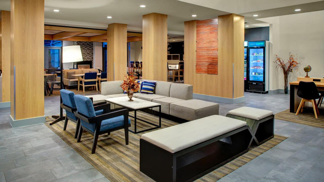 Hyatt House Dallas / Lincoln Park Lobby