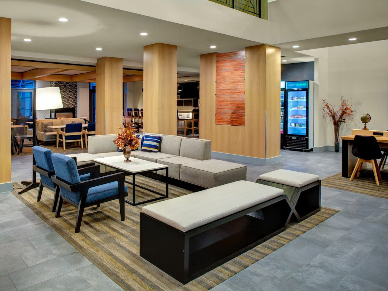 Hyatt House Dallas / Lincoln Park Exterior Lobby