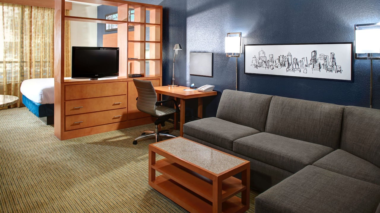 Hyatt House Dallas / Lincoln Park Studio Suite