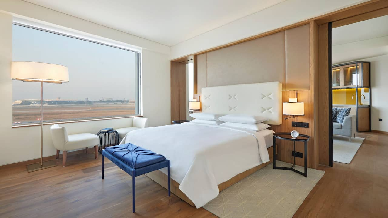 Andaz Delhi View Suite - Luxury Rooms in Delhi