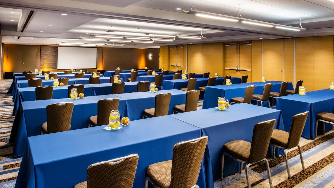Chicago Meeting Rooms – Michigan One Classroom at Hyatt Regency Chicago