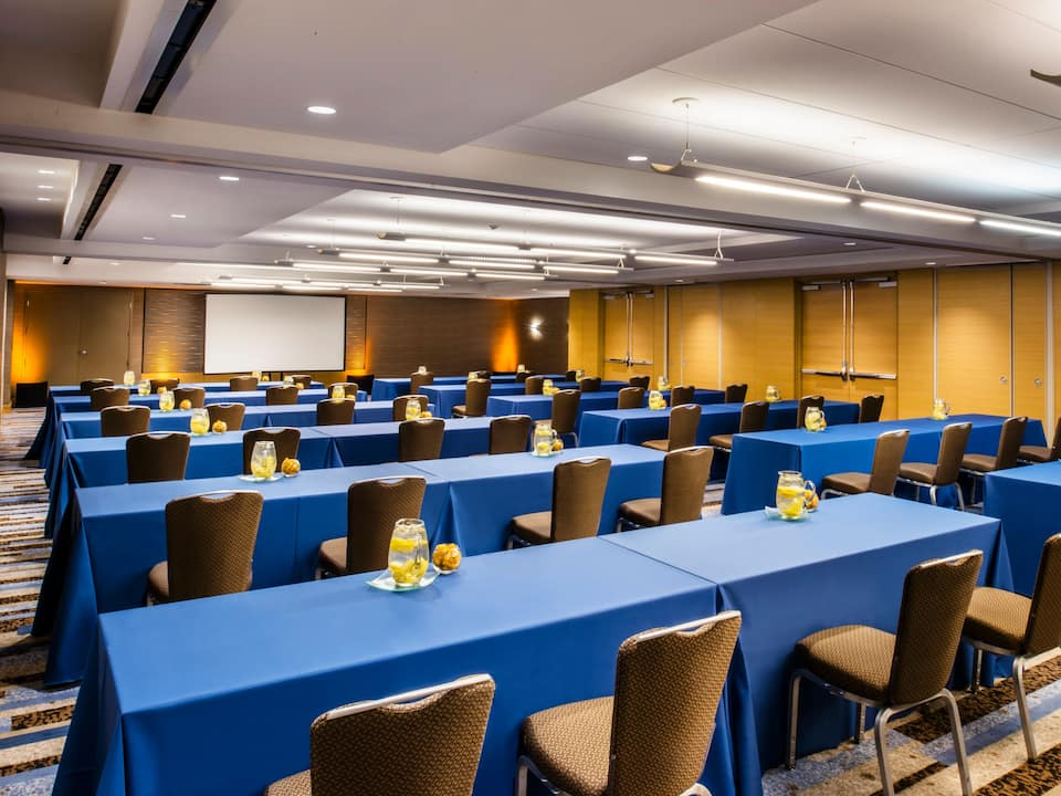 Chicago Hotel Event Space - Michigan One Classroom at Hyatt Regency Chicago