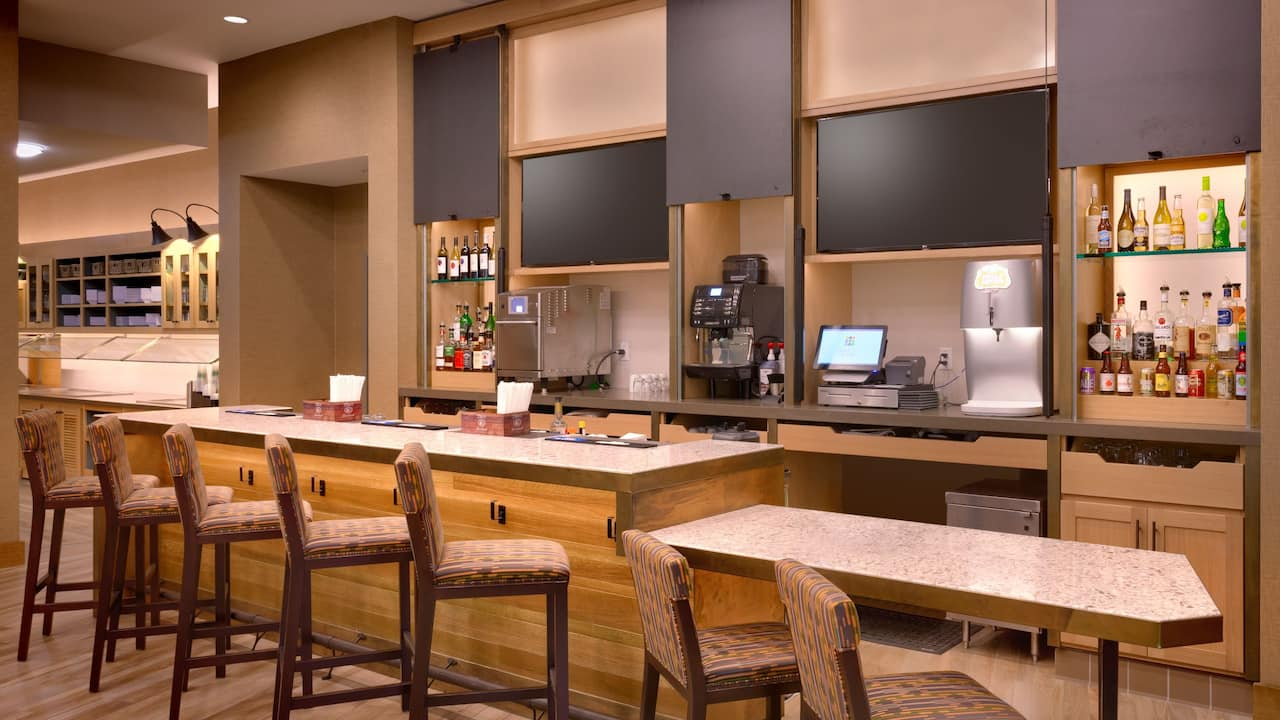Cocktail bar at the Hyatt Place Emeryville