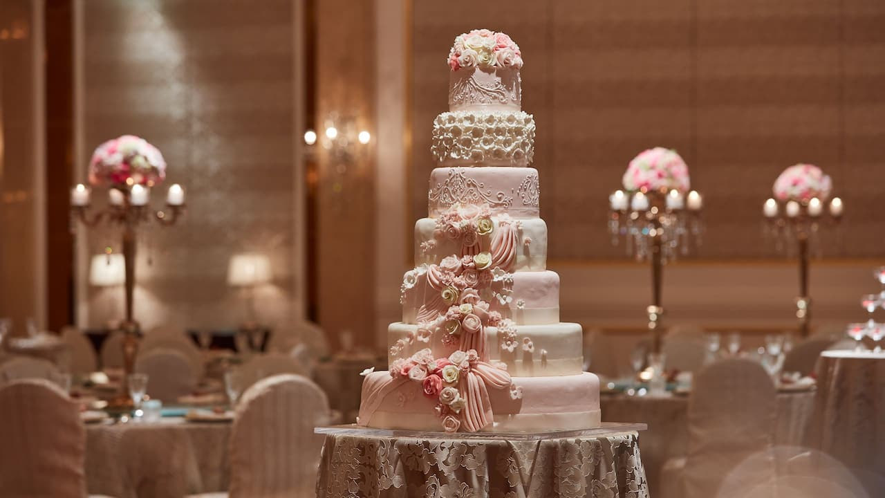 Park Hyatt Saigon Weddings (Ballroom Venue and Wedding Cake)