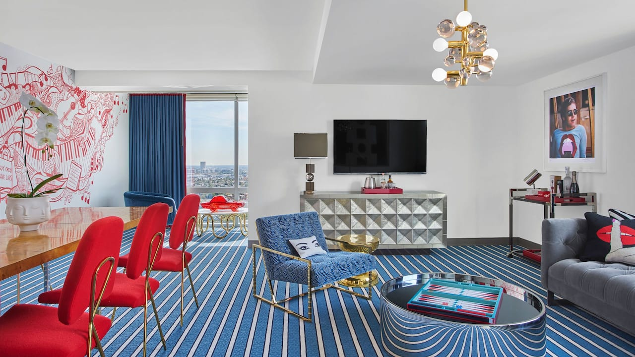 ANDAZ WEST HOLLYWOOD (ANDAZ) Red Suite | Living Room