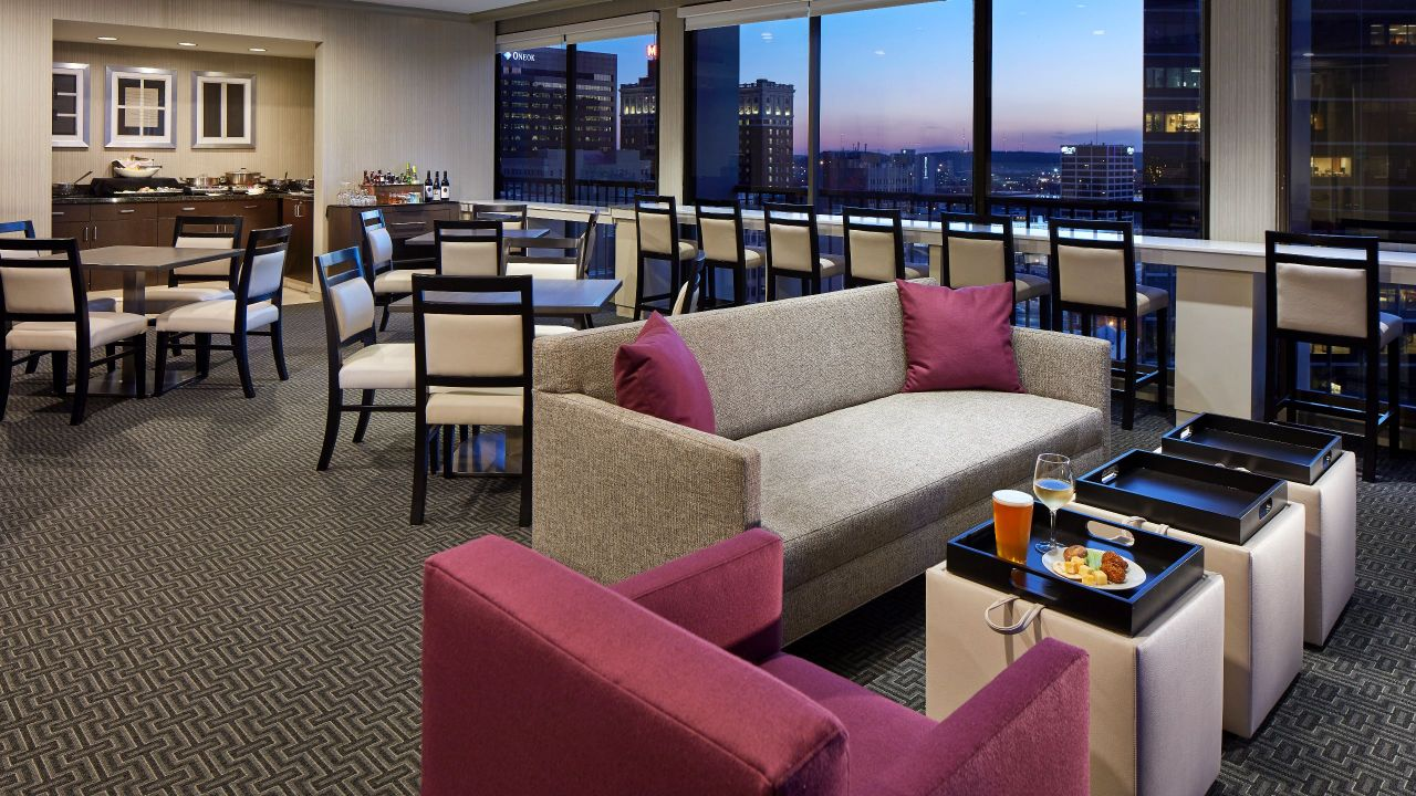 Luxurious Rooms Amp Suites In Downtown Tulsa