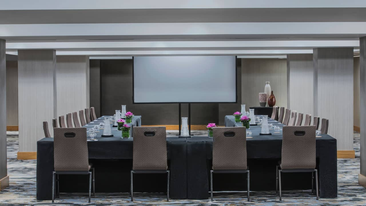 Grand Hyatt New Conference Room