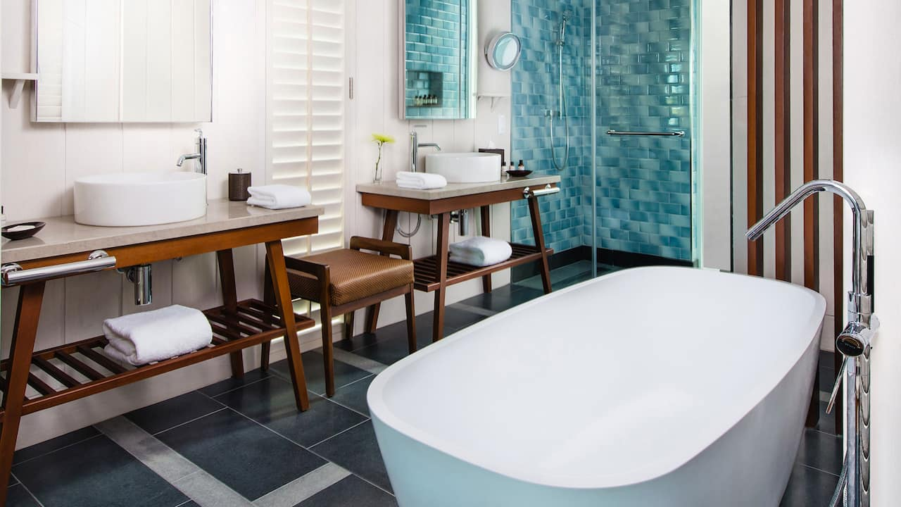 Park Hyatt St. Kitts Christophe Harbour King Room Bath