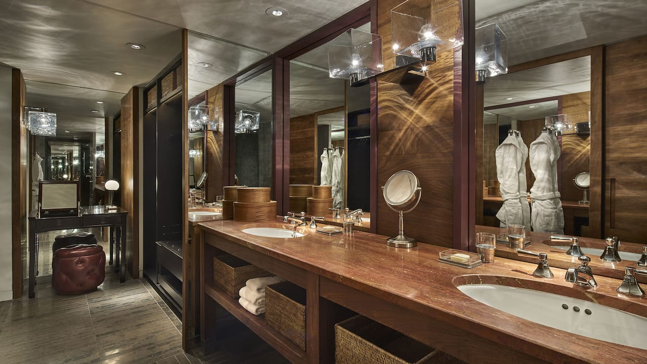 Presidential Suite Bathroom Vanity