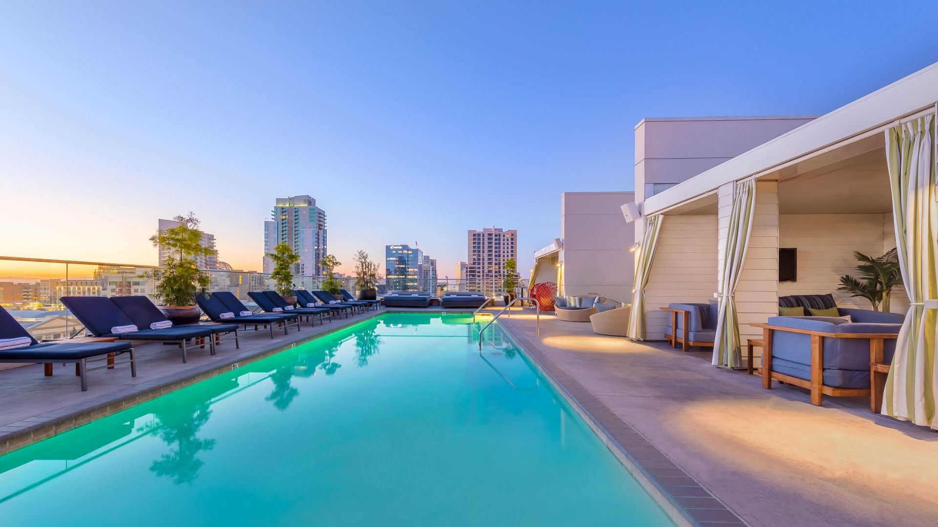 Andaz San Diego rooftop pool